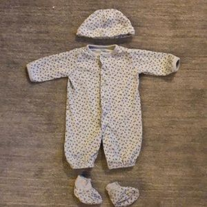 Other - Carter's layette outfit size 3 months